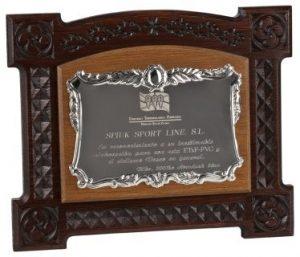 - placas de homenaje