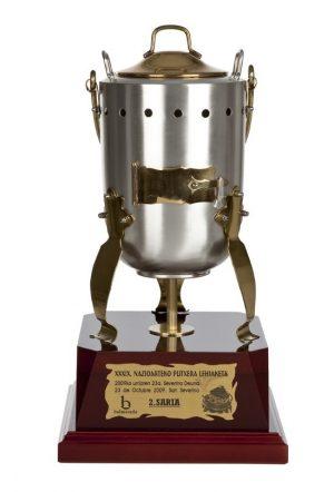 Trofeos artisticos de laton y acero