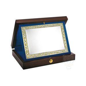 Placa de homenaje con estuche de madera
